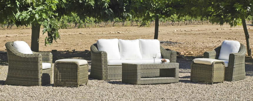 Bluedog airport hotel parking blog page 2 for Outdoor furniture spain